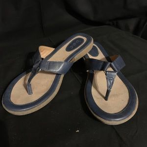 B. O. C. Born navy sandals size 8